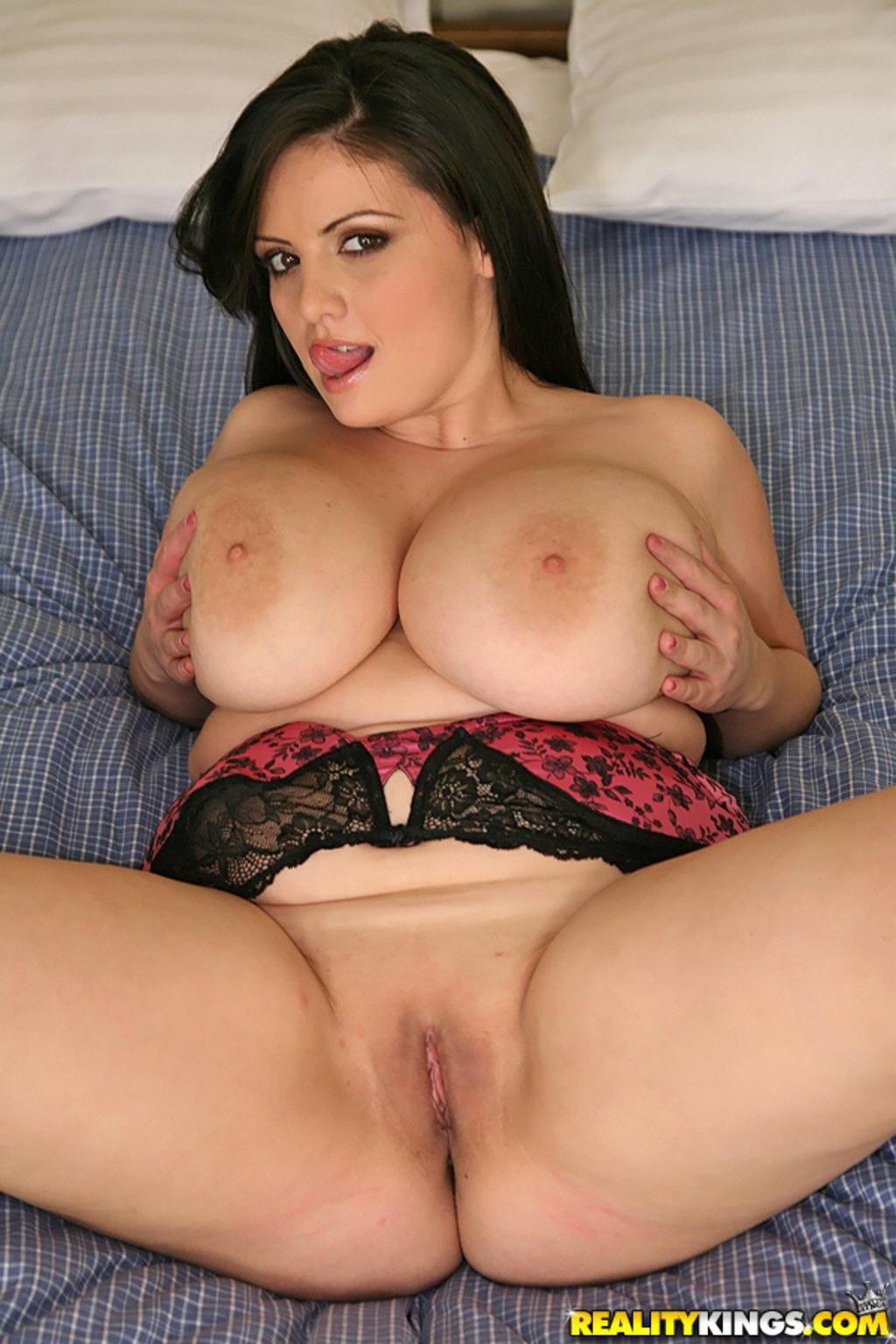 Sexy creaturegirl porn 3d naked scenes